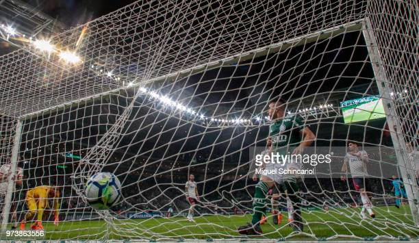 Willian of Palmeiras scoring a goal during a match between Palmeiras and Flamengo for the Brasileirao Series A 2018 at Allianz Parque Stadium on June...