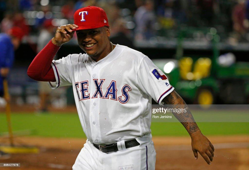 Oakland Athletics v Texas Rangers : Fotografía de noticias