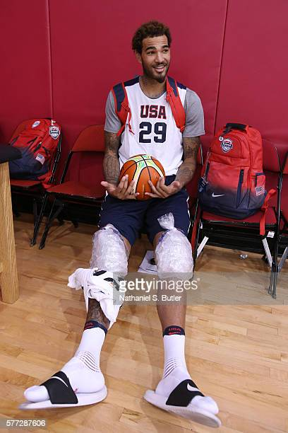 Willie CauleyStein of the USA Basketball Mens Select Team ices his knees following a practice on July 18 2016 at Mendenhall Center on the University...