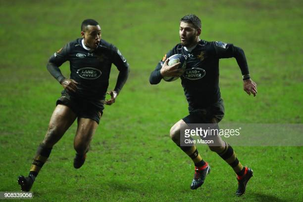 Willie Le Roux of Wasps breaks away to score a try during the European Rugby Champions Cup match between Wasps and Ulster Rugby at Ricoh Arena on...