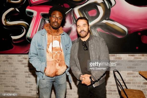 """Willie Macc and Jeremy Piven attend """"Shindig"""" standup comedy show benefitting Color Of Change hosted by Jimmy Shin at Black Star Burger on April 24,..."""