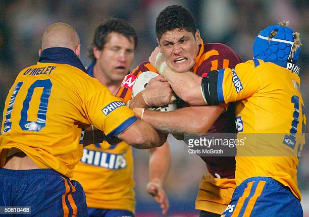 Willie Mason of Country in action during the NRL City Vs Country match played at Express Advocate Stadium May 7 2004 in Gosford Australia