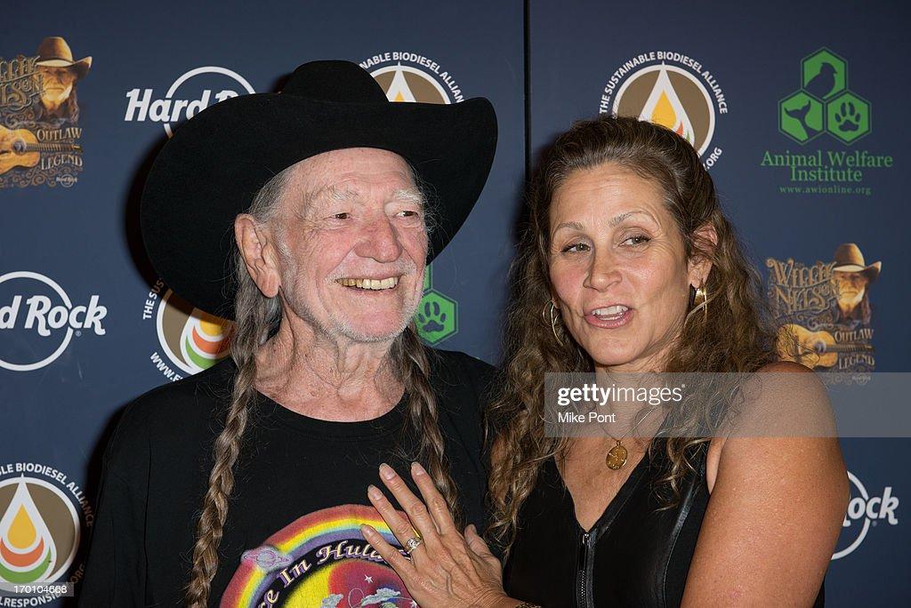 Hard Rock International's Wille Nelson Artist Spotlight Benefit Concert : News Photo