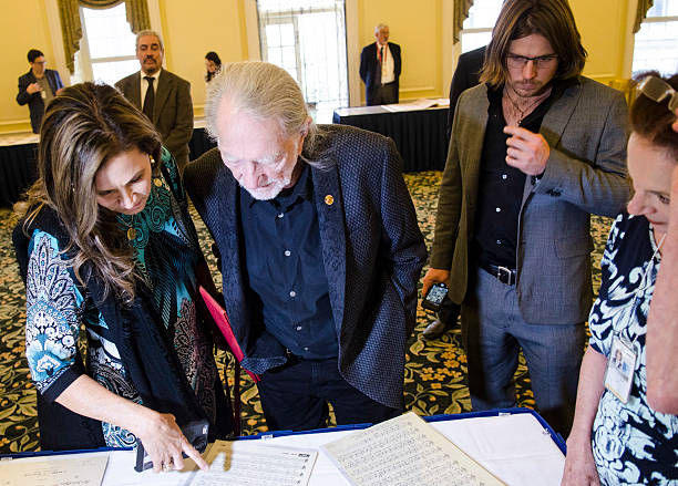 2015 Gershwin Prize Luncheon Honoring Willie Nelson Photos ...