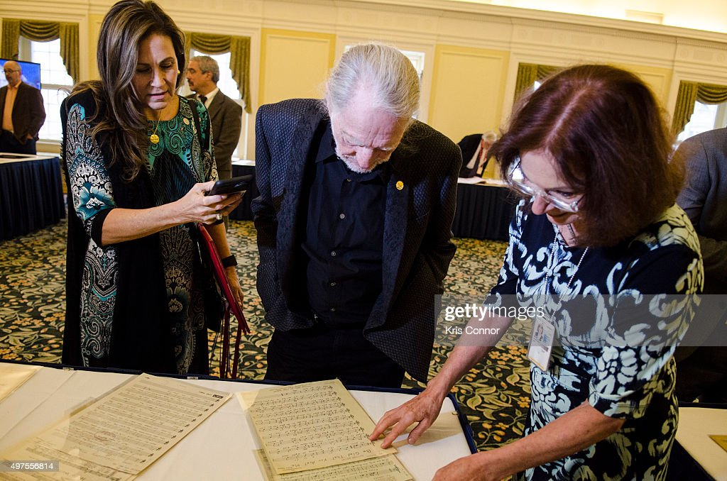 2015 Gershwin Prize Luncheon Honoring Willie Nelson : News Photo