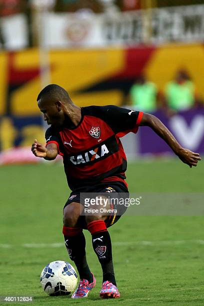 Willie of Vitoria in action during the match between Vitoria and Santos as part of Brasileirao Series A 2014 at Estadio Manoel Barradas on December...