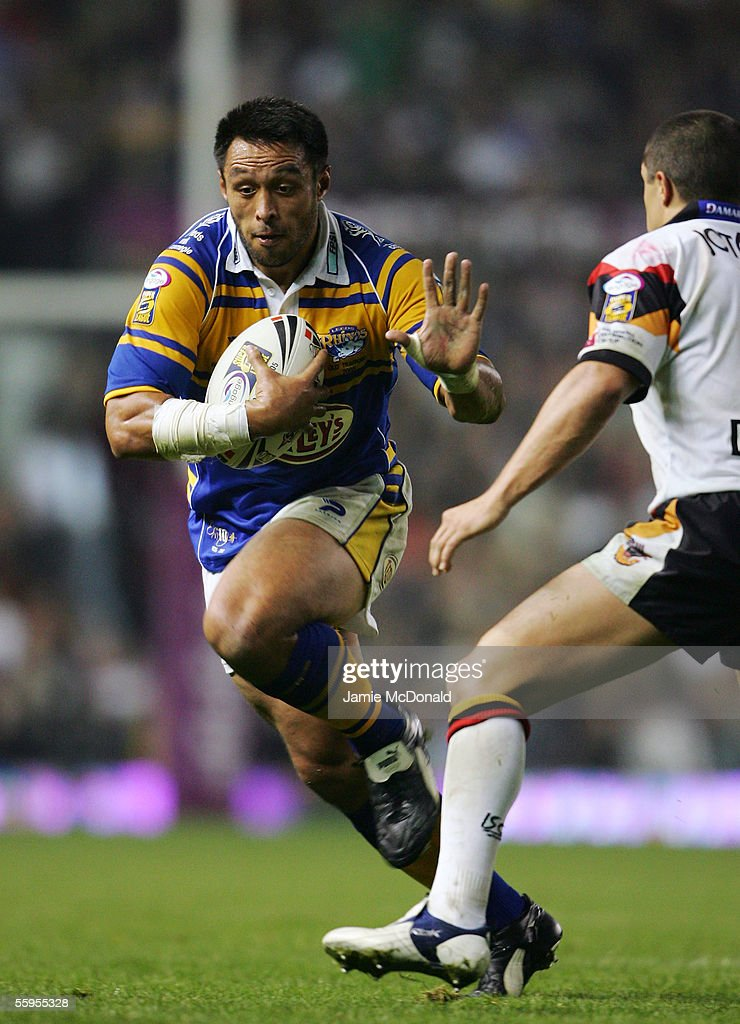 Willie Poching of Leeds in action during the Engage Super league Grand Final between Leeds Rhinos and Bradford Bulls at Old Trafford on October 15, 2005 in Manchester, England.