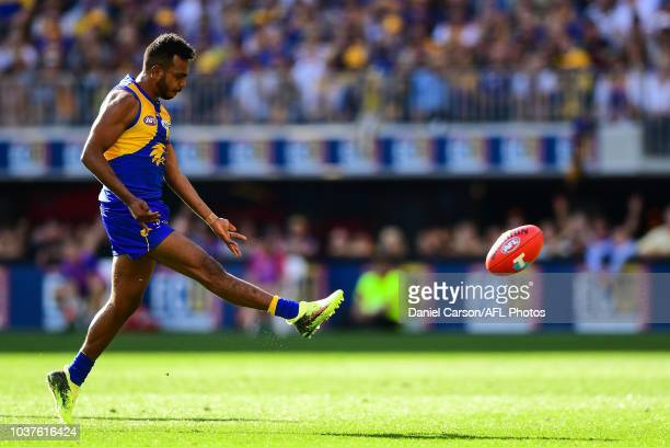 Willie Rioli of the Eagles kicks on goal during the 2018 AFL Second Preliminary Final match between the West Coast Eagles and the Melbourne Demons at...