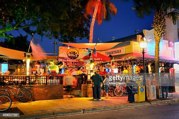 willie t's bar, key west florida - duval street stock pictures, royalty-free photos & images