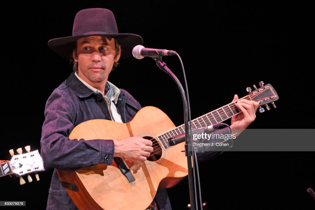 Willie Watson of Dave Rawlings Machine performs at Brown Theatre on August 16, 2017 in Louisville, Kentucky.