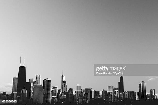Willis Tower Against Sky In City