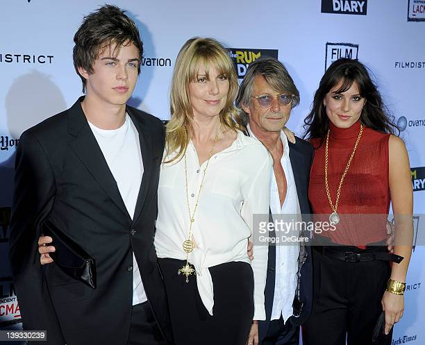Willoughby Robinson Sophie Windham Bruce Robinson and Lily Robinson arrive at the World Premiere of The Rum Diary at LACMA on October 13 2011 in Los...