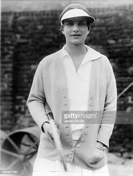 Wills HelenTennisspielerin USAim Sportdress mit Schirmmützeveröffentlicht Querschnitt 8/1927