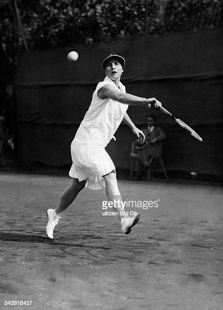 Wills Moody Roark Helen Tennis player Germany* multifold world champion Photographer Gerhard Riebicke Published by 'Zeitbilder' 24/1929Vintage...