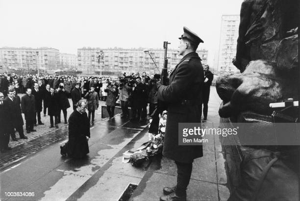 Willy Brandt German Chancellor in Warsaw Dec 12 1970 falling to his knees at Memorial