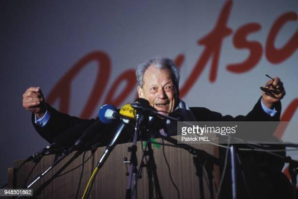 Willy Brandt homme politique allemand lors d'un congrès du SPD le 3 mars 1990 à Erfurt Allemagne
