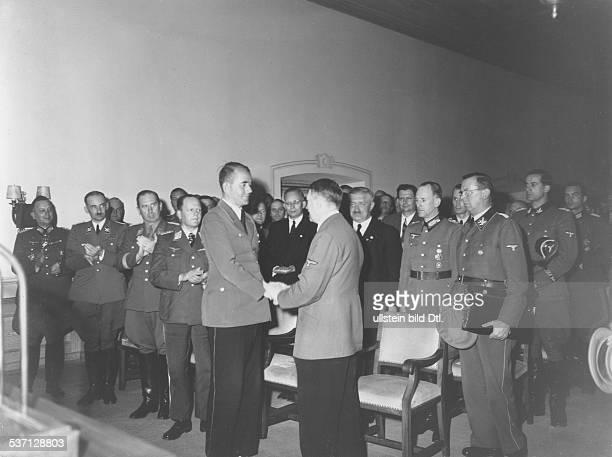 Willy LiebelWilly LiebelRudolf SchmundtRudolf SchmundtKarl BrandtAdolf Hitler Julius SchaubErhard Milch Politiker NSDAP D bei einem Treffen von...