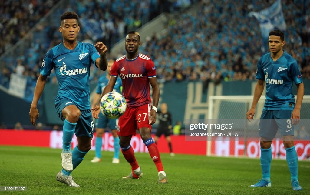Wilmar Barrios and Douglas Santos of Saint Petersburg and Maxwel... News  Photo - Getty Images