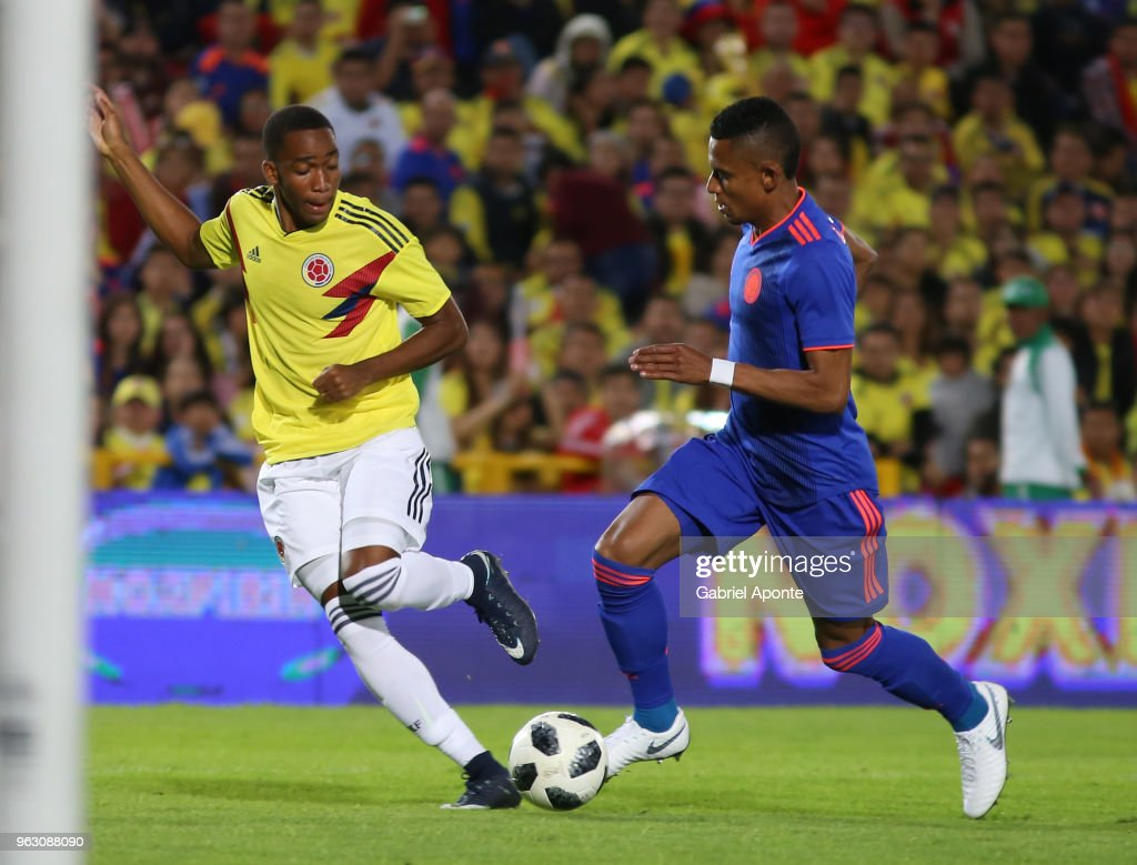 Wilmar Barrios and William Tesillo of Colombia fight for the ball during a training session open to the public as part of the preparation for FIFA World Cup Russia 2018 on May 25, 2018 in Bogota, Colombia.