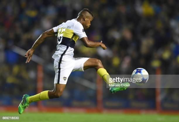 Wilmar Barrios of Boca Juniors controls the ball during a match between Boca Juniors and Patronato as part of Torneo Primera Division 2016/17 at...