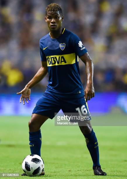Wilmar Barrios of Boca Juniors drives the ball during a match between Boca Juniors and Colon as part of the Superliga 2017/18 at Alberto J Armando...