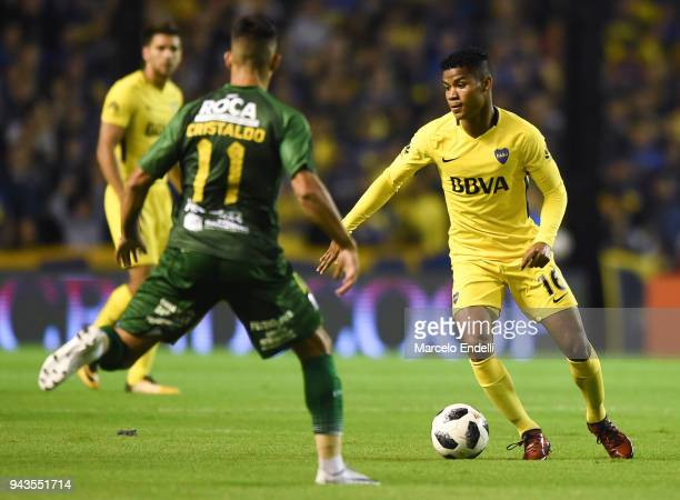 Wilmar Barrios of Boca Juniors drives the ball during a match between Boca Juniors and Defensa y Justicia as part of Argentine Superliga 2017/18 at...