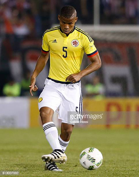 Wilmar Barrios of Colombia plays the ball during a match between Paraguay and Colombia as part of FIFA 2018 World Cup Qualifiers at Defensores del...