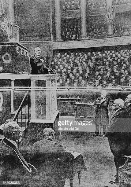 Wilson Thomas Woodrow *28121856Politiker USA28 Präsident der USA 19131921 Wilson bei einer Rede vor dem französischen Parlament 1919Illustration aus...