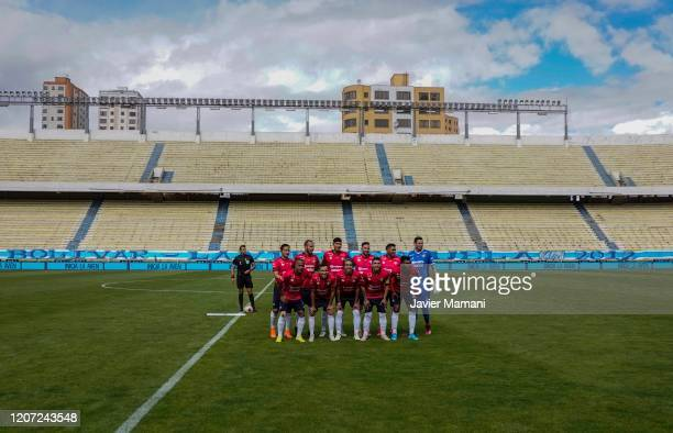Wilstermann's team poses before a match between Bolivar and Wilstermann as part of Torneo Apertura 2020 at Estadio Hernando Siles on March 14, 2020...