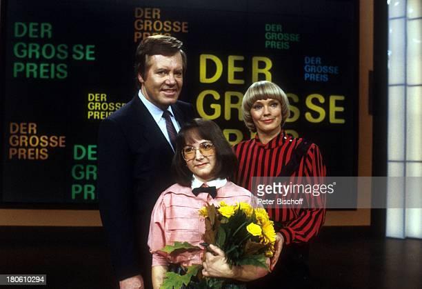 Wim Thoelke Beate Hopf Kandidatin Renate Körting ZDFShow Der große Preis Studio Blumenstrauß Blumen