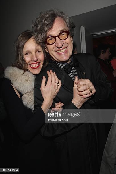 Wim Wenders Und Ehefrau Donata Bei Der Afterparty Zur Eröffnungsgala Der 60 Berlinale Im Moskau In Berlin