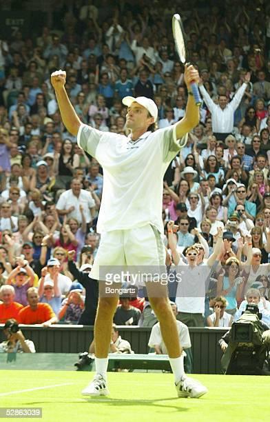 Wimbledon 2003 London Maenner/Einzel Jubel Ivo KARLOVIC/CRO gewinnt gegen Lleyton Hewitt