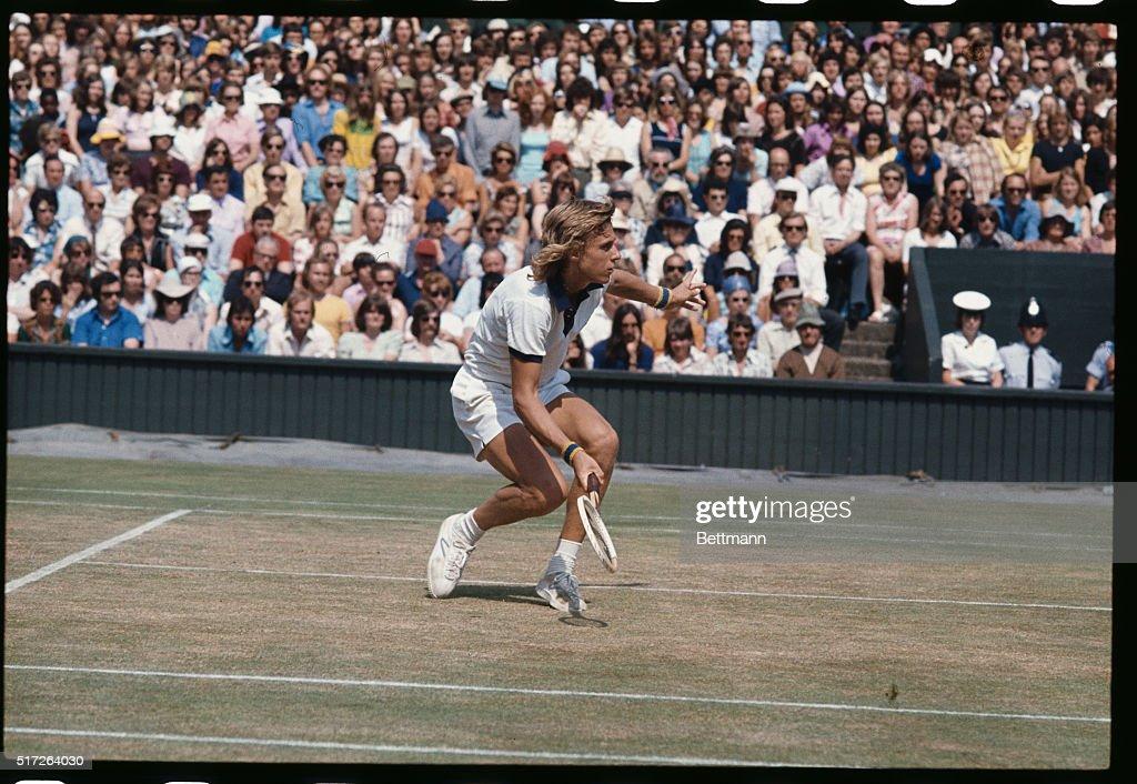 Bjorn Borg Playing Tennis : News Photo