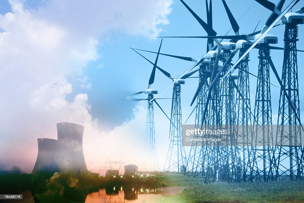 Wind farm and nuclear power plant : Stockfoto