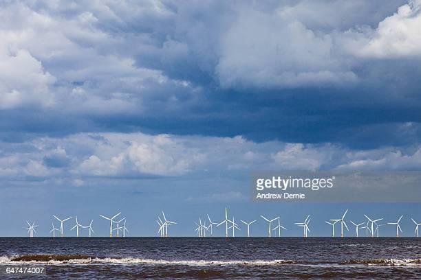 wind farm, east coast uk - andrew dernie fotografías e imágenes de stock