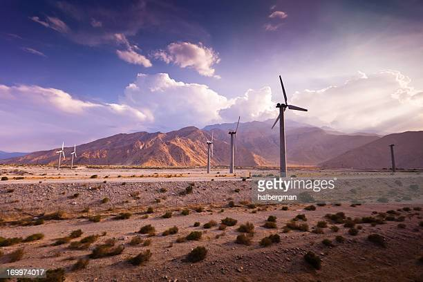 wind farm, palm springs, kalifornien - palm springs stock-fotos und bilder