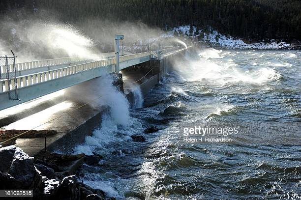 Wind gusts of over 80 mph are expected throughout the foothills today Wind howled coming out of the west and slamming large waves into the damn at...