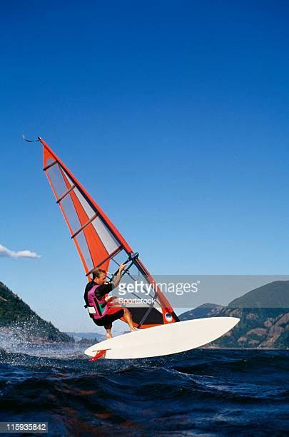 wind surfer on columbia river - hood river stock pictures, royalty-free photos & images