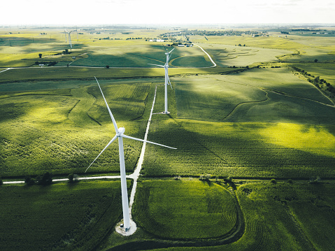 wind turbine in iowa 1142855625