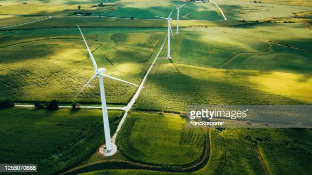 wind turbine in usa - environmental issues stock pictures, royalty-free photos & images