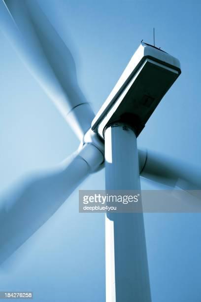 Erneuerbare Energien, windcraft auf blue sky