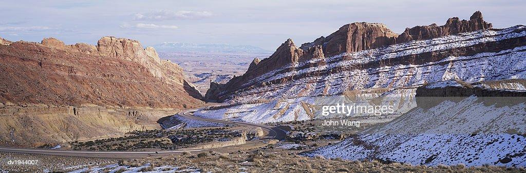 Winding Motorway, Utah, USA : Stock Photo