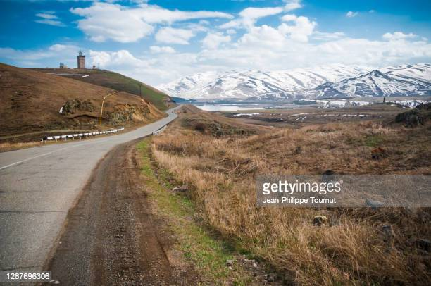 winding mountain road in the zangezur mountains, between vayk and goris, south caucasus, syunik province, armenia - eurasia stock pictures, royalty-free photos & images