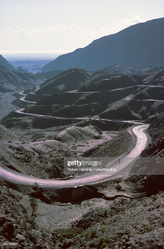 'Winding road, Khyber Pass area, North West Frontier Province, Pakistan, Asia' : Foto de stock