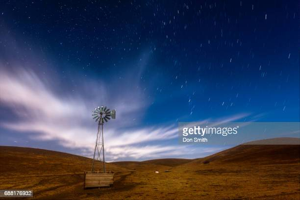 windmill and star field - don smith stockfoto's en -beelden