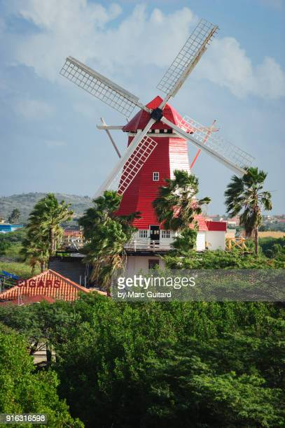 a windmill near eagle beach, aruba - oranjestad stockfoto's en -beelden
