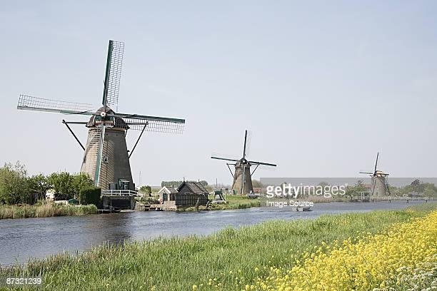 windmills at kinderdijk - キンデルダイク ストックフォトと画像