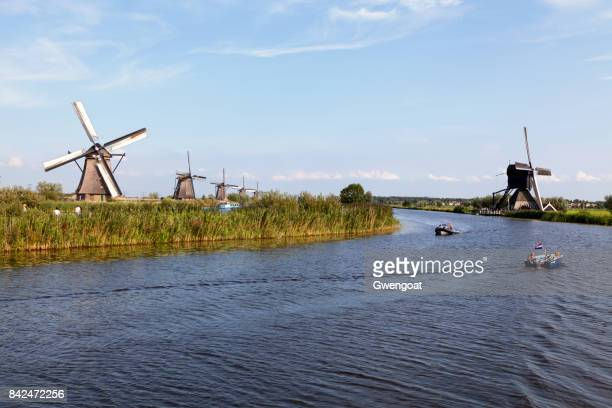 windmills in kinderdijk, netherlands - gwengoat stock pictures, royalty-free photos & images