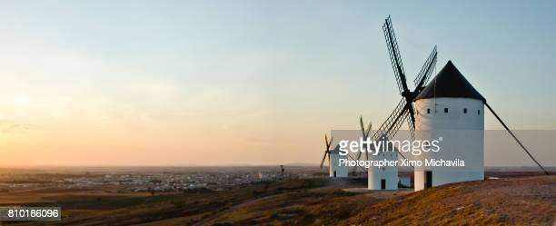windmills - alcazar de san juan - fotografias e filmes do acervo