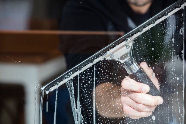 window cleaning - window cleaning stock pictures, royalty-free photos & images